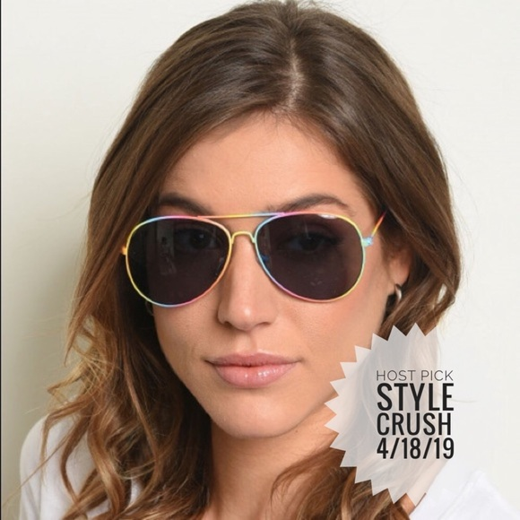 Dazey Shades Accessories - 🎉HOST PICK!🎉 Rainbow Frames Aviator Sunglasses